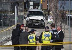 Do chodců v Torontu najel student s dodávkou.