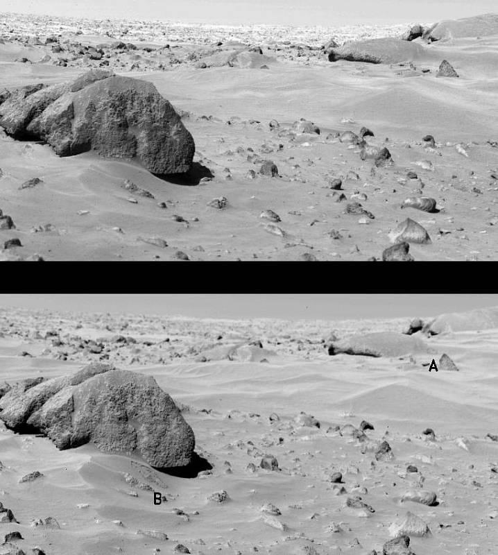 Jeden ze snímků, které pořídil přistávací modul Viking 1 na povrchu Marsu. Tento modul měl jako první v sobě zabudovanou minilaboratoř a sesbíral vzorky marsovské půdy.