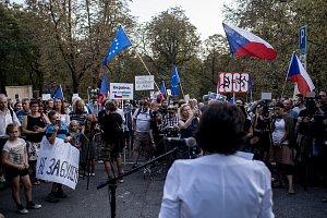 Demonstrace v Praze před ruskou ambasádou