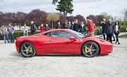 Sraz vozů Ferrari u příležitosti 70. let značky,Trojský zámeček.