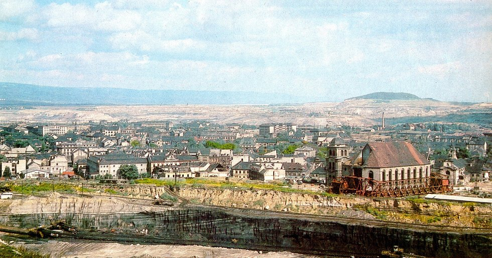 Kostel se musel přemístit po více než 841 metrů dlouhé dráze, která měla zakřivenou trajektorii a byla podélně nakloněná