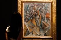 Picassův obraz Sedící žena vydražen v přepočtu za 1,5 miliardy Kč