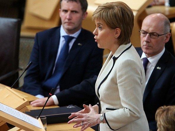 První ministryně Skotska (premiérka) Nicola Sturgeonová chce bránit místo, které má Skotsko v Evropské unii, a bude usilovat o to, aby Skotové mohli mít po odchodu Británie z unie i nadále přístup k evropskému jednotnému trhu.