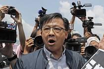 Hongkongský pročínský  poslanec Junius Ho