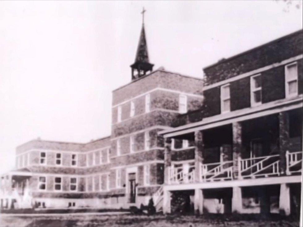 Rozsáhlý komplex nazývaný Villa St. Louis sloužil jako klášter
