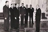 Vojmír Srdečný na návštěvě u prezidenta E. Beneše v roce 1946 spolu s delegací studentů postižených represemi 17. 11. 1939 (druhý zprava)