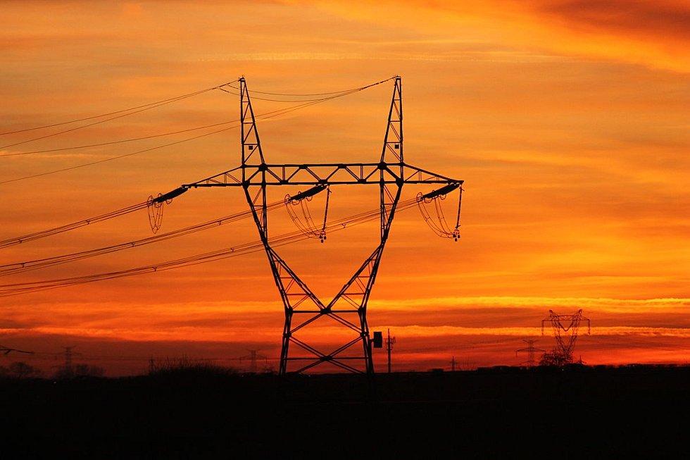 Stožár elektrického vedení 400 kV u Prahy