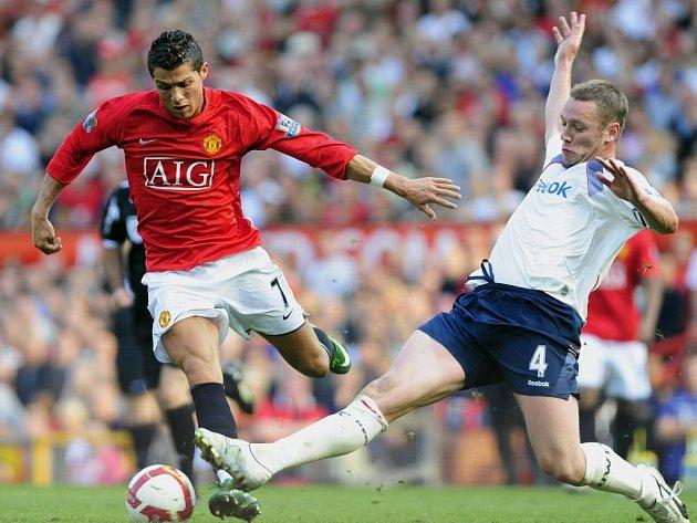 Cristiano Ronaldo proti Boltonu naznačil, že se po zranění začíná vracet do formy z minulé sezony.