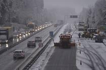 D1 u Větrného Jeníkova po sněžení