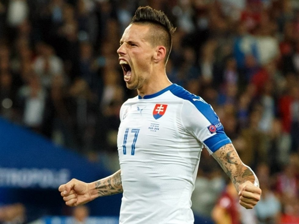 Marek Hamšík ze Slovenska se raduje z gólu proti Rusku.