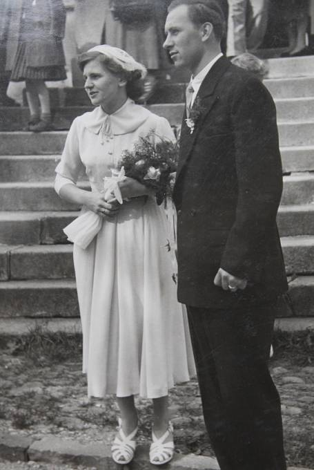 Svatba Evy Žárské, rozené Lukášové, v roce 1956