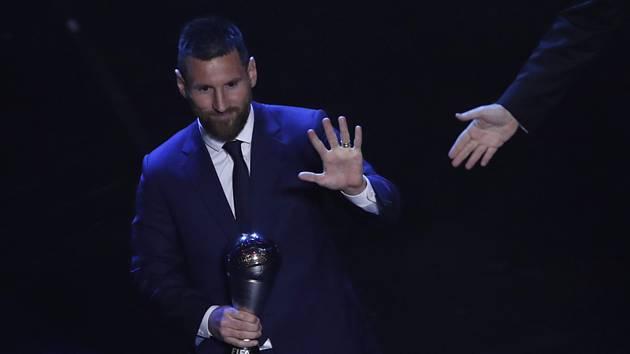 Lionel Messi s trofejí