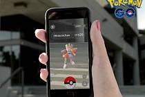 Mobilní hra Pokémon Go.