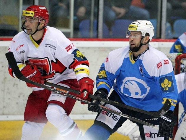 Zatímco v minulé sezoně byli Tomáš Slovák (vpravo ještě v dresu Plzně) a Jaroslav Kudrna soupeři, teď se spolu potkají jako spoluhráči v Hradci Králové.
