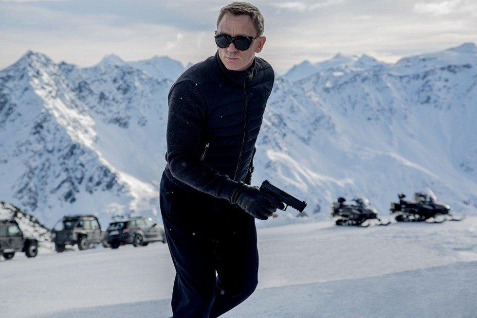 Hora Gaislachkogel v Söldenu se před pár lety stala symbolem Jamese Bonda - v restauraci Ice Q ve výšce 3 048 metrů vznikly totiž klíčové scény bondovky Spectre z roku 2015. Od té doby je Sölden mekkou fanoušků tajného agenta.