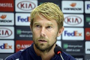 Záložník Bordeaux Jaroslav Plašil na tiskové konferenci v Edenu.