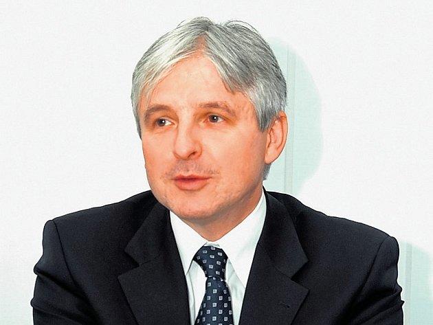 Lidé jsou zodpovědní. To tvrdí Jiří Rusnok, president Asociace penzijních fondů České republiky.