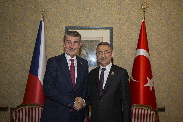 Mezinárodní konference v Palermu na Sicílii o Libyi. Andrej Babiš a turecký vice premiér Fuat Oktay.