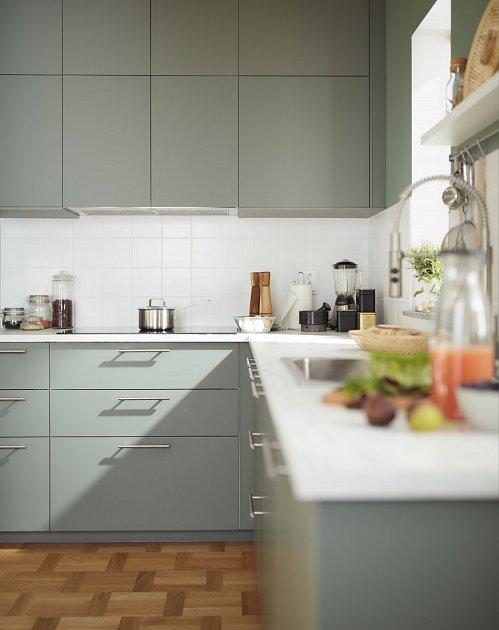 Jste-li single a domů se vracíte až večer, stačí jednoduchá kuchyň, kde budete mít vše hned po ruce.