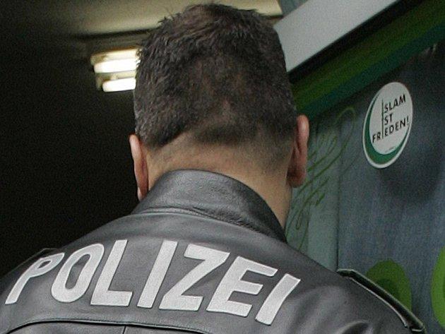 Němci hledají komplice frankfurtských atentátníků