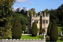 Jihoanglický zámek Lanhydrock vypadá jak z románu.