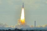 Start Ariane. Evropská unie provozuje svůj vlastní kosmodrom ve Francouzské Guyaně, která je jedním z mnoha částí EU ležících mimo Evropu. Na snímku start rakety Ariane.