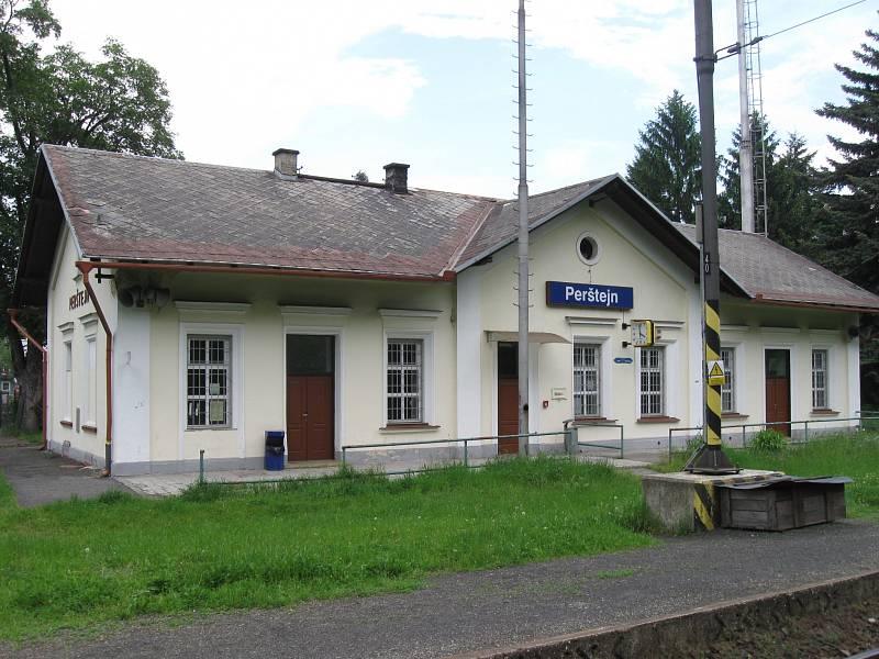 Železniční stanice Pernštejn