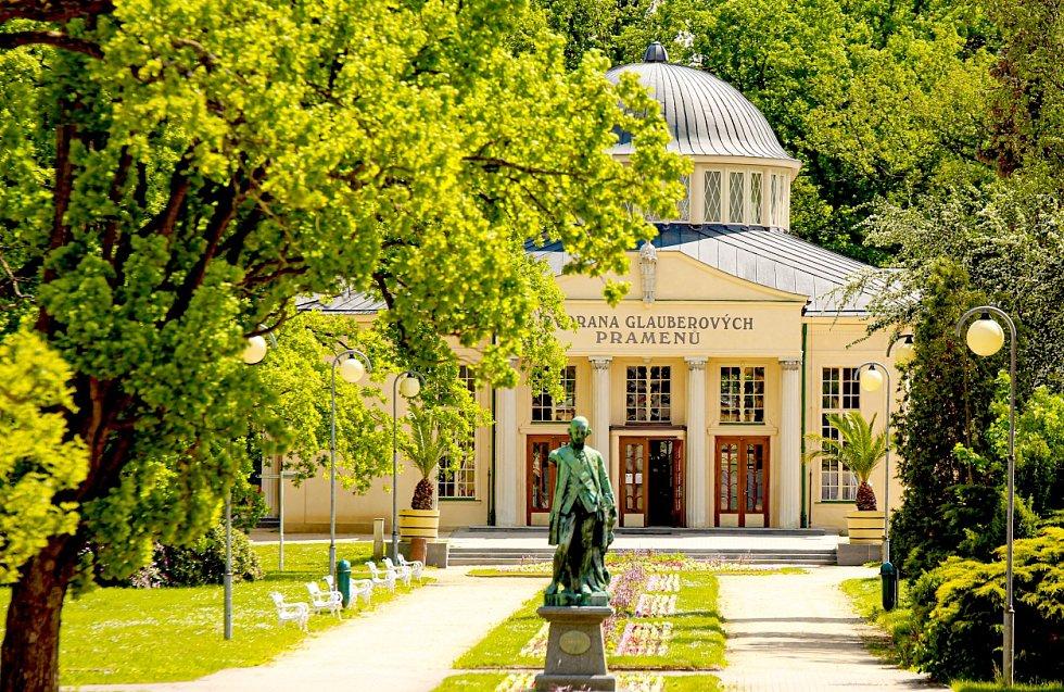 Dvorana Glauberových pramenů ve Františkových Lázní