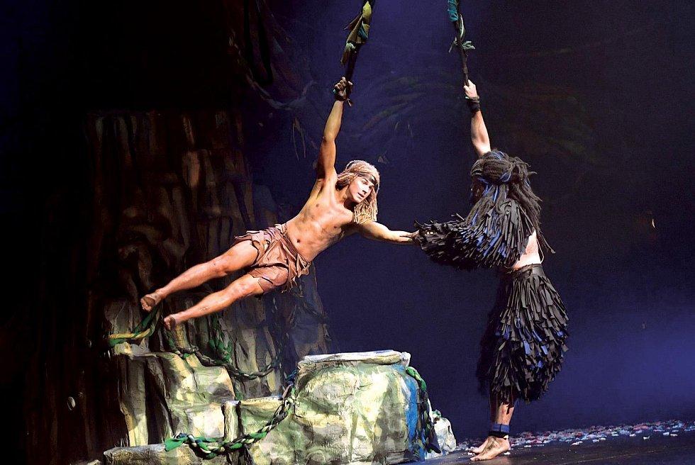 Muzikál Tarzan vyžadoval náročnou fyzickou průpravu.