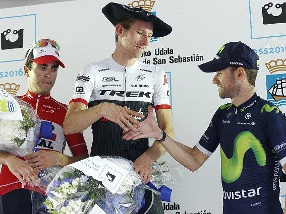 Bauke Mollema (uprostřed), Tony Gallopin (vlevo) a  Alejandro Valverde.