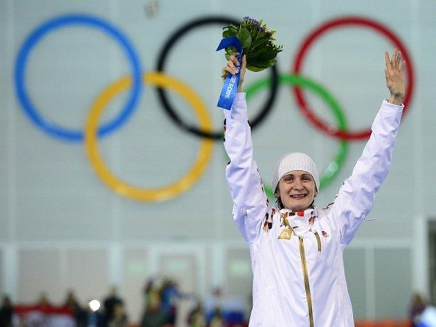 Velká radost. Rychlobruslařka Martina Sáblíková na úvod olympijských her v Soči vybojovala stříbro na 3000 metrů.