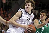 Basketbalista Jan Veselý.