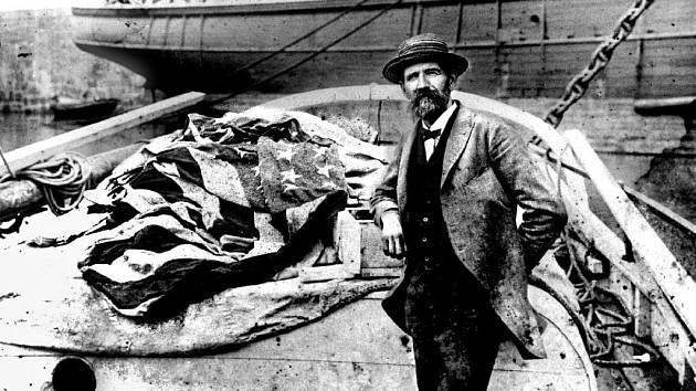 Joshua Slocum na snímku z roku 1890, rok po návratu z cesty kolem světa