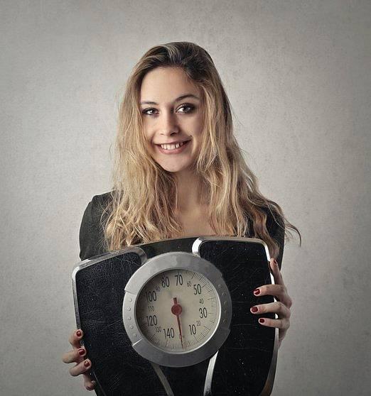 Obezitou pak podle odborníků vposledních letech trpí až čtvrtina českých žen a 22 procent mužů, další čtvrtina populace trpí nadváhou.