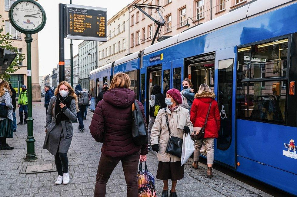 Lidé v polském Krakově