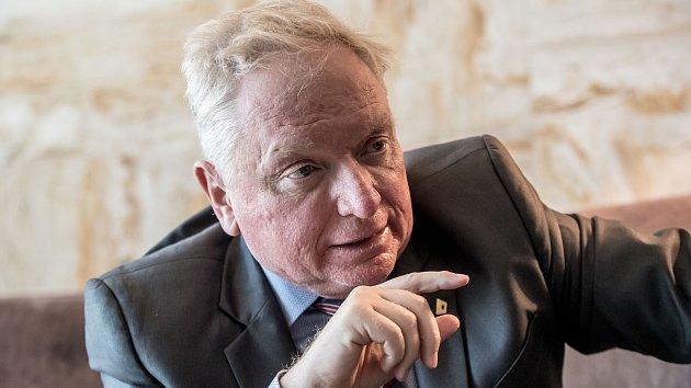 Advokát Pavel Smutný