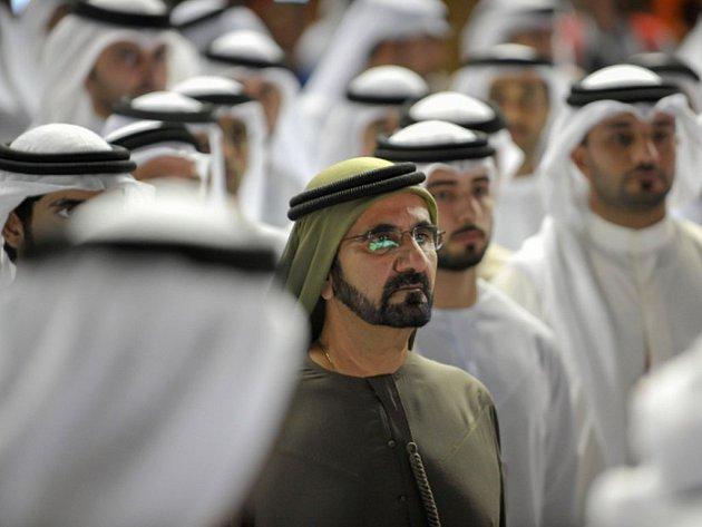 Otec šajch Muhamad bin Rašíd Maktúm zastává také funkci předsedy vlády SAE.