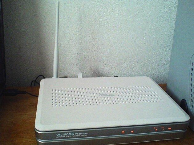Wi-Fi router od Asusu.