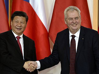 Březen - Na konci března přijel do ČR čínský prezident Si Ťin-pching