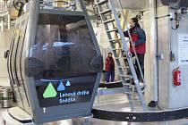 Největší objem unijních dotací, za 5,3 miliardy, dosud čerpaly dopravní projekty. Jedním z nich byla výstavba nové lanovky na Sněžku.
