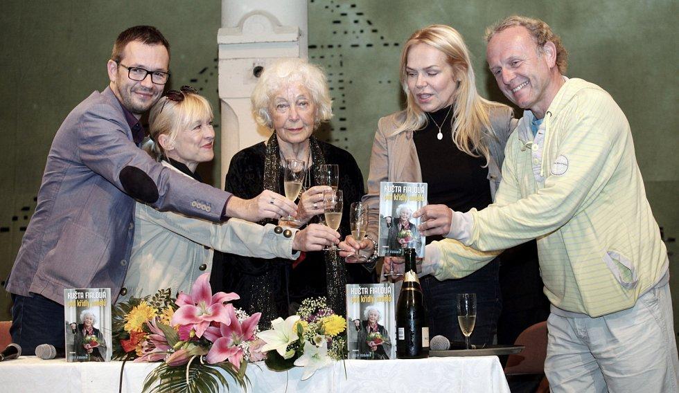 Herečka Květa Fialová během svých 85. narozenin.