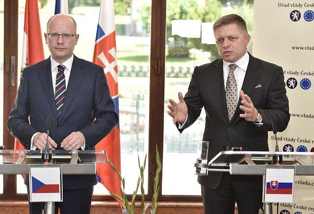 Bohuslav Sobotka a Robert Fico