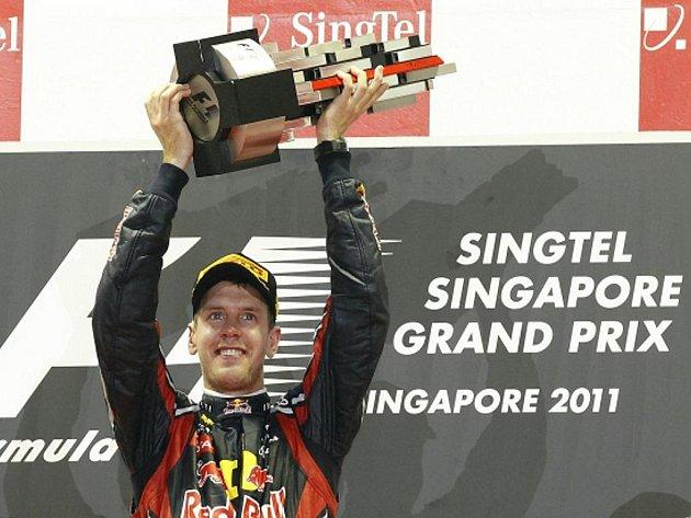 Sebastian Vettel vyhrál Velkou cenu Singapuru.