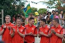 Fotbalisté Německa během návštěvy školy
