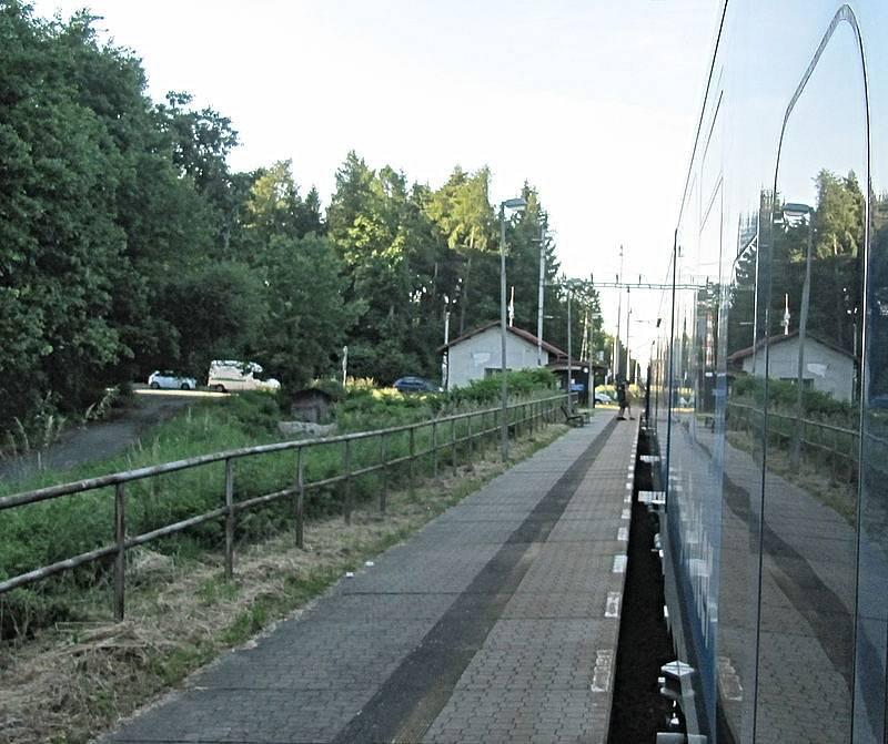 Železniční stanice ve Stéblové, odkud vyjel osobní vlak vstříc protijedoucímu motoráku