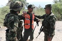 Venezuelští vojáci u hranic s Kolumbií