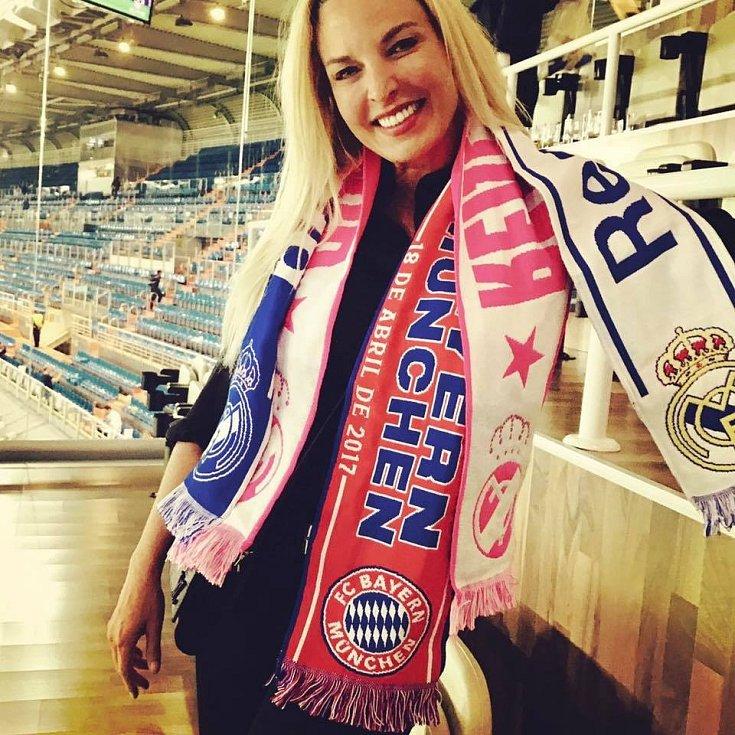 Diana Langes-Swarovski na návštěvě zápasu Ligy mistrů mezi Realem Madrid a Bayernem Mnichov