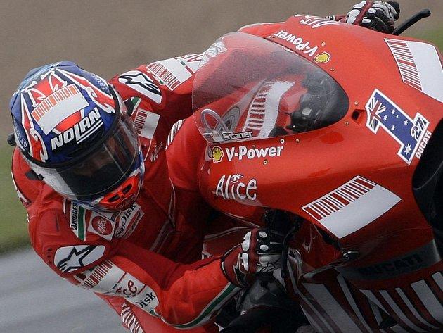 V královské třídě MotoGP se z pole position již podruhé za sebou radoval australský obhájce mistrovského titulu Casey Stoner.