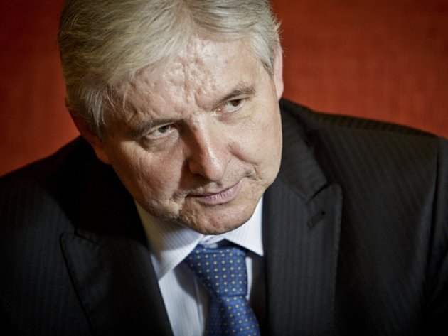 Premiér Jiří Rusnok poskytl 27. června v pražské Kramářově vile rozhovor Deníku.
