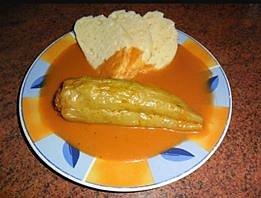 Pavlína Bušová - Plněné papriky v rajské omáčce s domácím knedlíkem